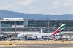 Emirados Airbus A380 no cano principal de Francoforte Fotografia de Stock Royalty Free