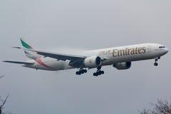 Emirados Boeing 777 Imagem de Stock
