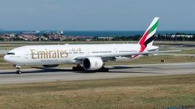 Emirados de A6-EBN, Boeing 777-300 Fotografia de Stock Royalty Free