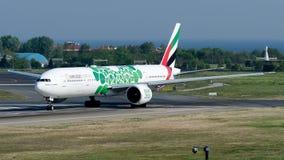 Emirados de A6-ENB, Boeing 777-300 Foto de Stock Royalty Free