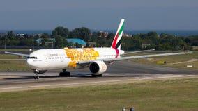 Emirados de A6-ENR, Boeing 777-300ER Foto de Stock