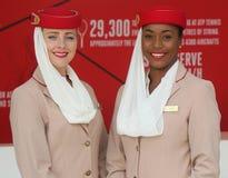Emirat linii lotniczych steward przy emirat linii lotniczych budka Fotografia Royalty Free