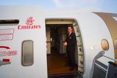 Emiratbesättningsman av Boeing-777 Royaltyfri Fotografi