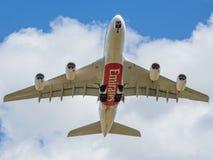 Emirater A380 som precis tas av Fotografering för Bildbyråer
