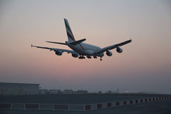 A380 Emirates Airline plane coming into land Royalty Free Stock Photography
