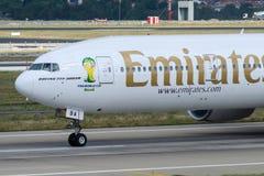 Emiratos Boeing 777-31H (ER) de A6-EBA Imagen de archivo