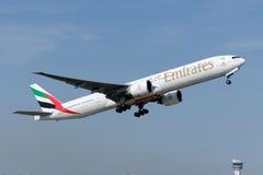Emiratos Boeing 777-31H (ER) de A6-EBX Fotografía de archivo libre de regalías