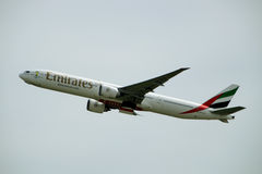 Emirats Boeing 777 Photo stock