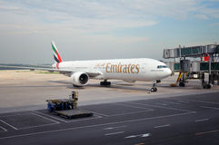Emirats Boeing 777 Images libres de droits