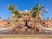 Emiratslott - Abu Dhabi, Förenade Arabemiraten Royaltyfri Bild