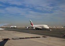 Emiratu samolot zdejmował Fotografia Royalty Free