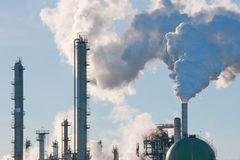 emisi rafineria Zdjęcie Stock