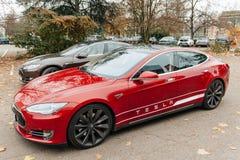 Emisiones del coche eléctrico cero del modelo S de Tesla foto de archivo libre de regalías