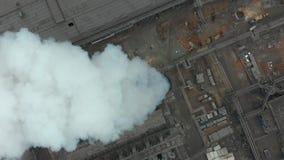 Emisja atmosfera od przemysłowych drymb Smokestack drymby shooted z trutniem Antena, zakończenie zbiory