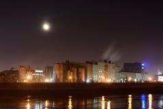Emissão de fumo da fábrica da tubulação Fotos de Stock