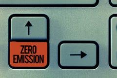 Emissão do texto zero da escrita O conceito que não significa nenhuma liberação prejudicial do gás à atmosfera conserva o ambient imagem de stock royalty free