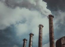 Emissões do ar e aquecimento global fotos de stock