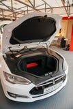 Emissionen des Elektroautos null Tesla-Modells S Lizenzfreies Stockfoto