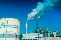 Emissioni di scarico in una fabbrica Fotografie Stock Libere da Diritti