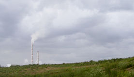 Emissioni industriali di gazov chimico Fotografia Stock Libera da Diritti