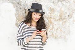 Emitindo uma mensagem de texto fotos de stock royalty free
