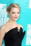 Emma lapident obtenir aux récompenses 2012 de film de MTV image stock