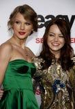Emma Stone y Taylor Swift Imágenes de archivo libres de regalías