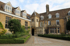 Emmanuel College Cambridge, England arkivfoton