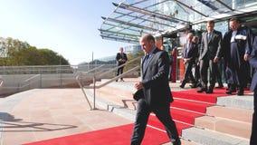 Emmanuel Macron French President Exit van Europees Hof van rechten van de mens stock footage