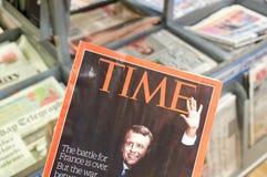 Emmanuel Macron på räkningssidan av den Tid tidskriften Royaltyfria Bilder