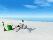 Emmer, spade en zandkasteel op een strand. Royalty-vrije Stock Afbeelding