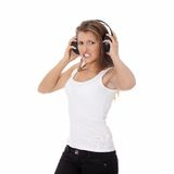 emocjonalnej dziewczyny słuchający muzyczny portret nastoletni Zdjęcia Royalty Free