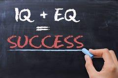 Emocjonalny iloraz EQ plus inteligencja iloraz IQ - sukces formuła zdjęcia stock