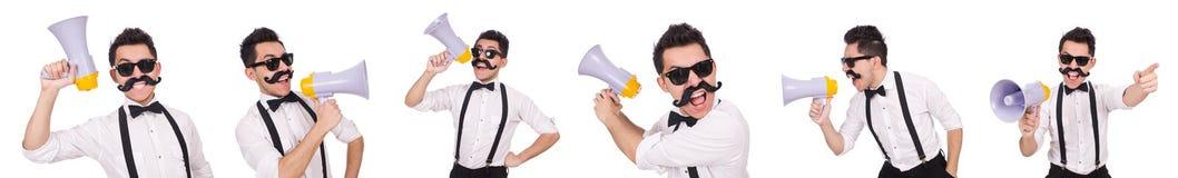 Emocjonalny mężczyzna z głośnikiem odizolowywającym na bielu Zdjęcia Royalty Free