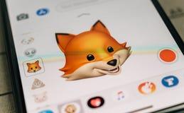 Emoji animal de l'animoji 3d de Fox produit par le recognit de massage facial d'identification de visage Photo libre de droits
