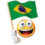 Emoji die Braziliaanse vlag houden, emoticon golvende nationale vlag van het 3d teruggeven van Brazilië Stock Fotografie