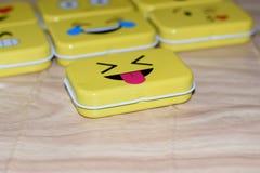 Emoji-Metallzinn lizenzfreies stockbild