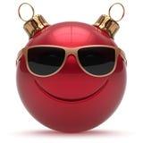 Emoticon för nyårsafton för framsida för julbollsmiley lycklig vektor illustrationer