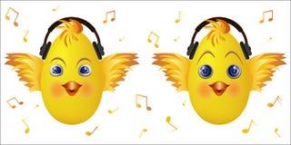 Emoticonküken mit Musikkopfhörern Stockfoto