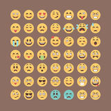Emoticonsinzameling Vlakke emojireeks Het leuke pak van het smileyspictogram Vectorillucttration Royalty-vrije Stock Foto