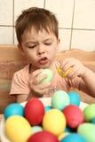Emoties van de jongen en de Pasen Stock Afbeelding