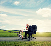 Emotional small woman and big man Royalty Free Stock Images