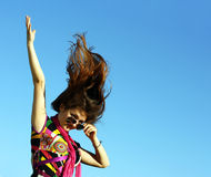 Emotionale Abbildung eines Mädchens mit dem schönen Haar Lizenzfreie Stockfotos