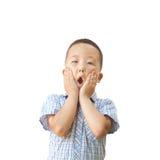 Emotionele Aziatische oude jongen 6 jaar, geïsoleerd op witte achtergrond Royalty-vrije Stock Foto's