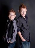 Emotionele jongens in de studio Royalty-vrije Stock Foto's