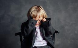 emotionell flicka little stående royaltyfri foto