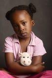 Emotionell och ledsen afrikansk flicka Arkivfoto