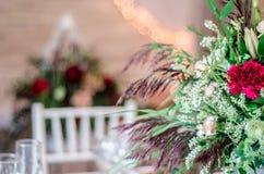 Empañe el fondo abstracto en el área del banquete de la boda Estilo rústico Imágenes de archivo libres de regalías