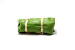 Empacotamento das folhas da banana imagens de stock royalty free
