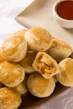 Empada巴西人快餐 与鸡的饼 免版税库存图片